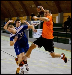 L'ACBB (en orange) deuxième de la poule 2 derrière la mastodonte équipe de Vernouillet.